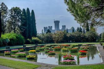 SURROUNDED BY THE GREEN OF THE GIARDINO SIGURTA PARK